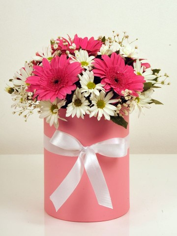 Renk Esintisi Kutuda Çiçek çiçek gönder