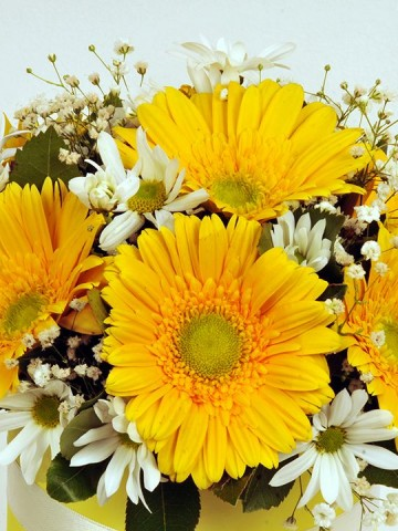 Sarışınım Kutuda Çiçek çiçek gönder