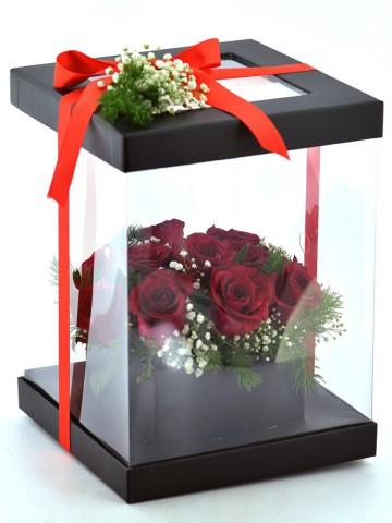 Özel Siyah Kutuda 11 Kırmızı Güller Kutuda Çiçek çiçek gönder