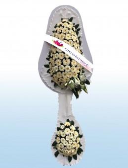 Beyaz Gerberalı Ayaklı Sepet.  çiçek gönder