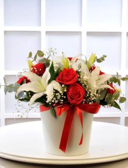 Kırmızı Beyazın Aşkı   çiçek gönder