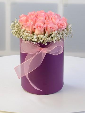 Silindir Kutuda Pembe Gül Aranjmanı. Kutuda Çiçek çiçek gönder