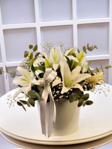 Beyaz Lilyumlar Aranjmanlar çiçek gönder