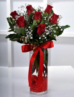 Vazoda 7 Kırmızı Gül Çiçek Arajmanı.  çiçek gönder