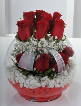 Fanus Vazoda 11 Kırmızı Gül...  çiçek gönder