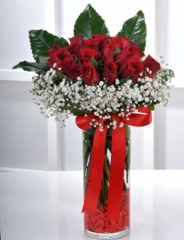Vazoda 21 Kırmızı Gül Arajmanı.  çiçek gönder