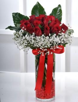 Vazoda 21 Kırmızı Gül Arajmanı..  çiçek gönder