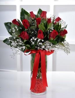 Silindir Vazoda 11 Kırmızı Gül..  çiçek gönder