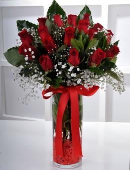 Vazoda 17 Kırmızı Gül..  çiçek gönder