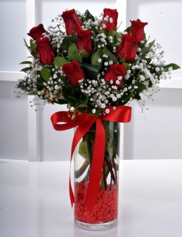 Vazoda 9 Kırmızı Gül Arajmanı..  çiçek gönder