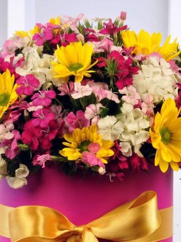 Baharın Gelişi Kutuda Çiçek çiçek gönder