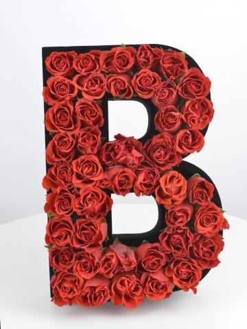 Çılgın Aşk Kişiye Özel Kırmızı Güllerden Harf Harfli Çiçek çiçek gönder