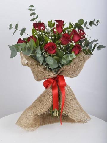 Vintage Konsept 11 Adet Kırmızı Gül Buketi Buketler çiçek gönder