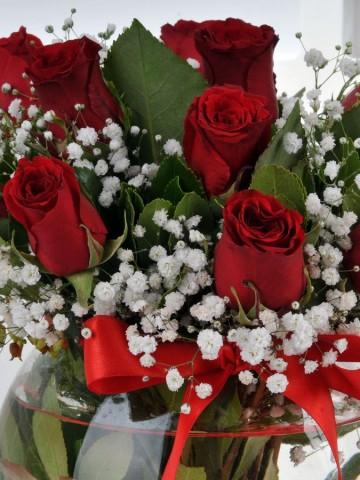 Fanus ta 11 Kırmızı Gül Aranjmanlar çiçek gönder