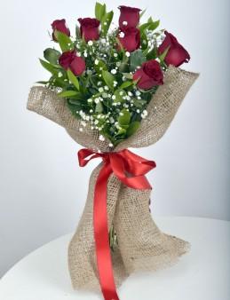 Bukette 7 Kırmızı Gül.  çiçek gönder