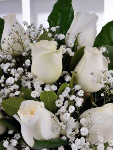 Kış Masalı 9 Beyaz Gül Çiçek Arajmanı Aranjmanlar çiçek gönder