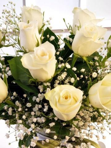 Beyazın Saflığı Aranjmanlar çiçek gönder