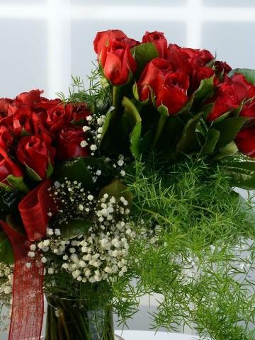Mutluluğun Simgesi 50 Kırmızı Gül Aranjmanlar çiçek gönder