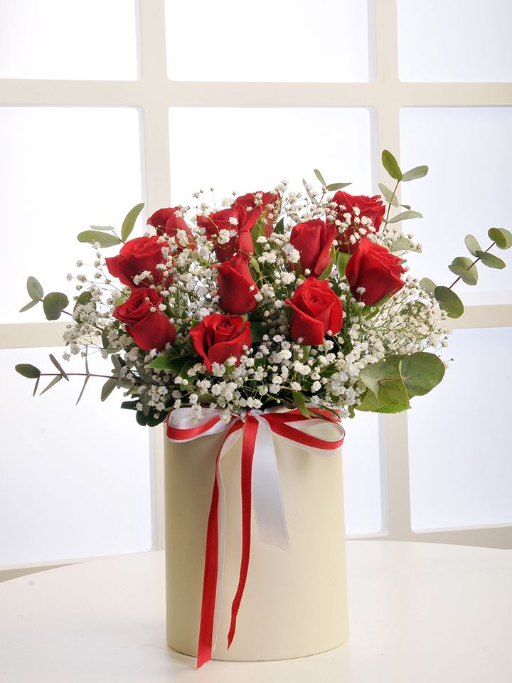Krem Rengi Silindir Kutuda Kırmızı Güller Kutuda Çiçek çiçek gönder
