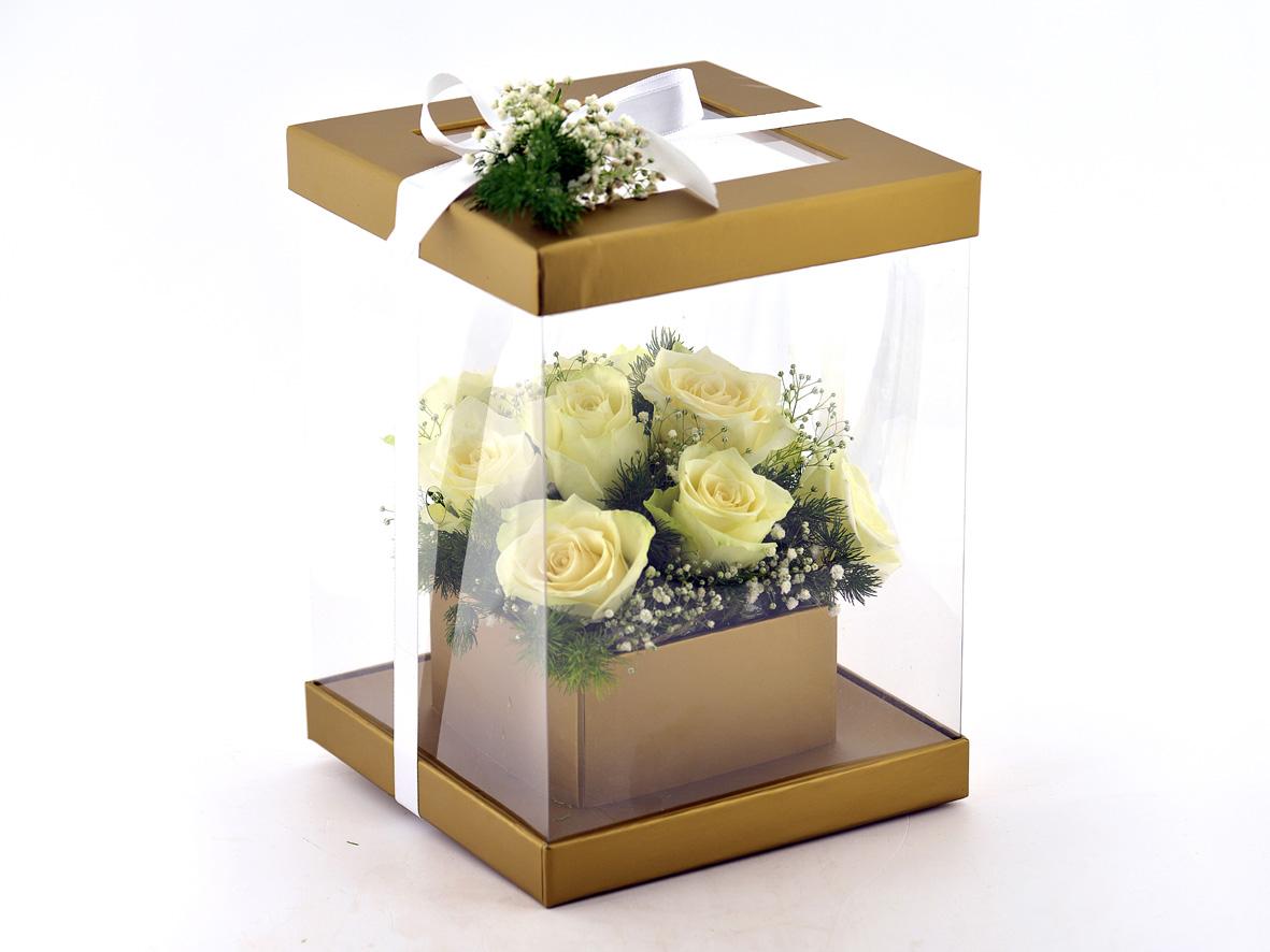 Sevgi Bahçesi 11 Beyaz Gül Kutuda Çiçek çiçek gönder