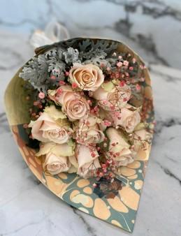 Ebru Sanatlı SOMON Güller (Exclusive Collection)  çiçek gönder