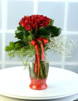 Sevginin Yaşı Hep 19  çiçek gönder