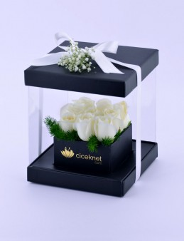 Pleksi Kutuda Beyaz Güller  çiçek gönder