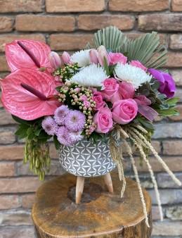 İthal Çiçekli Butik Aranjman  çiçek gönder
