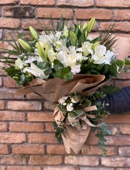 Butik Lilyum Gül Buketi   çiçek gönder