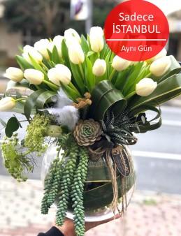 Lale Çiçek Aranjmanı.  çiçek gönder