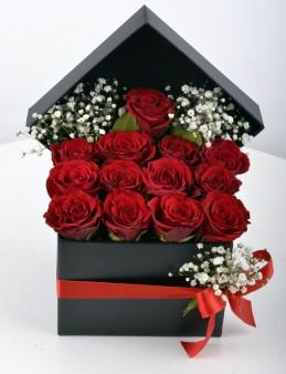 Siyah İnci 13 Kırmızı Gül  çiçek gönder