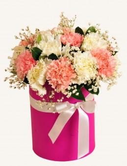 Pembe ve Beyaz Karanfilli Çiçek Arajmanı.  çiçek gönder