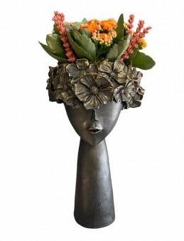 Çiçekçi Kız   çiçek gönder