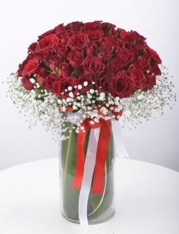 Seni Çok Seviyorum 50 Kırmızı Gül Aranjmanı   çiçek gönder