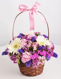 Sepette Kır Çiçeği Aranjmanı.  çiçek gönder