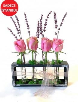 Pembe Güller ve Şoklanmış Lavantalar Aranjmanlar çiçek gönder