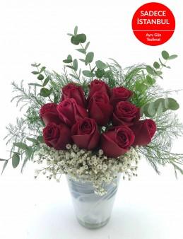 İthal Cam Vazoda 11 Gül Aranjmanı  çiçek gönder
