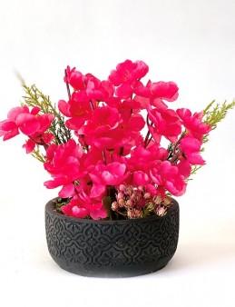 Beton Saksıda Yapay Çiçekler  çiçek gönder