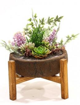 Ahşap Ayaklı Eskitme Saksıda Sukulent Aranjmanı  çiçek gönder