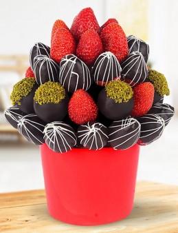 Strawberry Meyve Sepeti  çiçek gönder