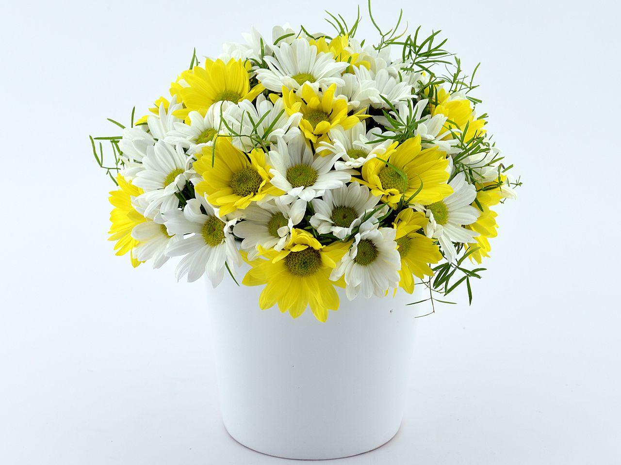 Seramikte Kır Çiçekleri Aranjmanlar çiçek gönder