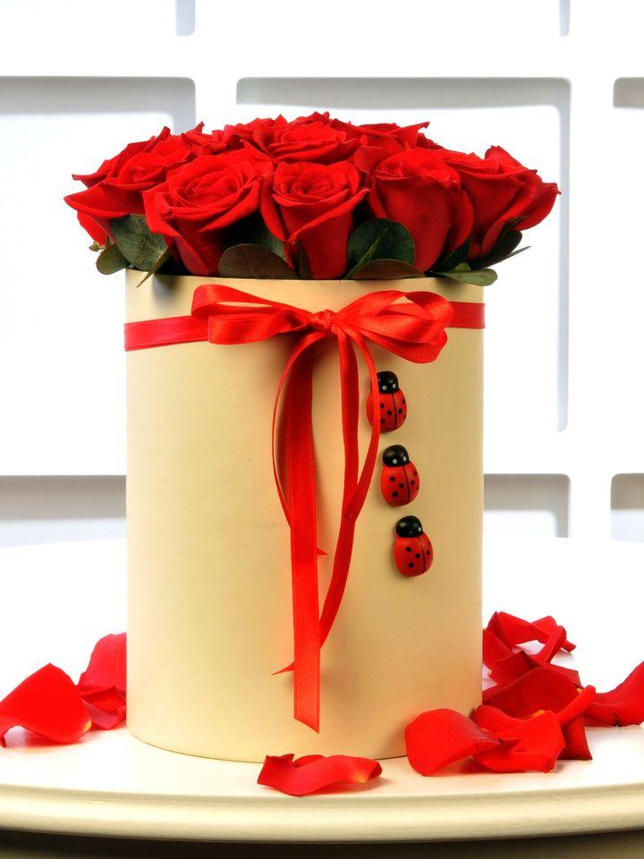 Kırmızının Uğuru 13 Kırmızı Gül  çiçek gönder