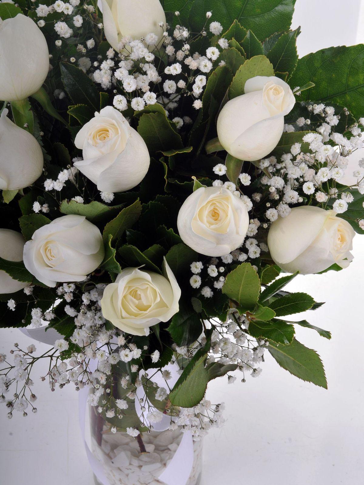 Kar Beyazı 11 Beyaz Gül Arajmanı Aranjmanlar çiçek gönder