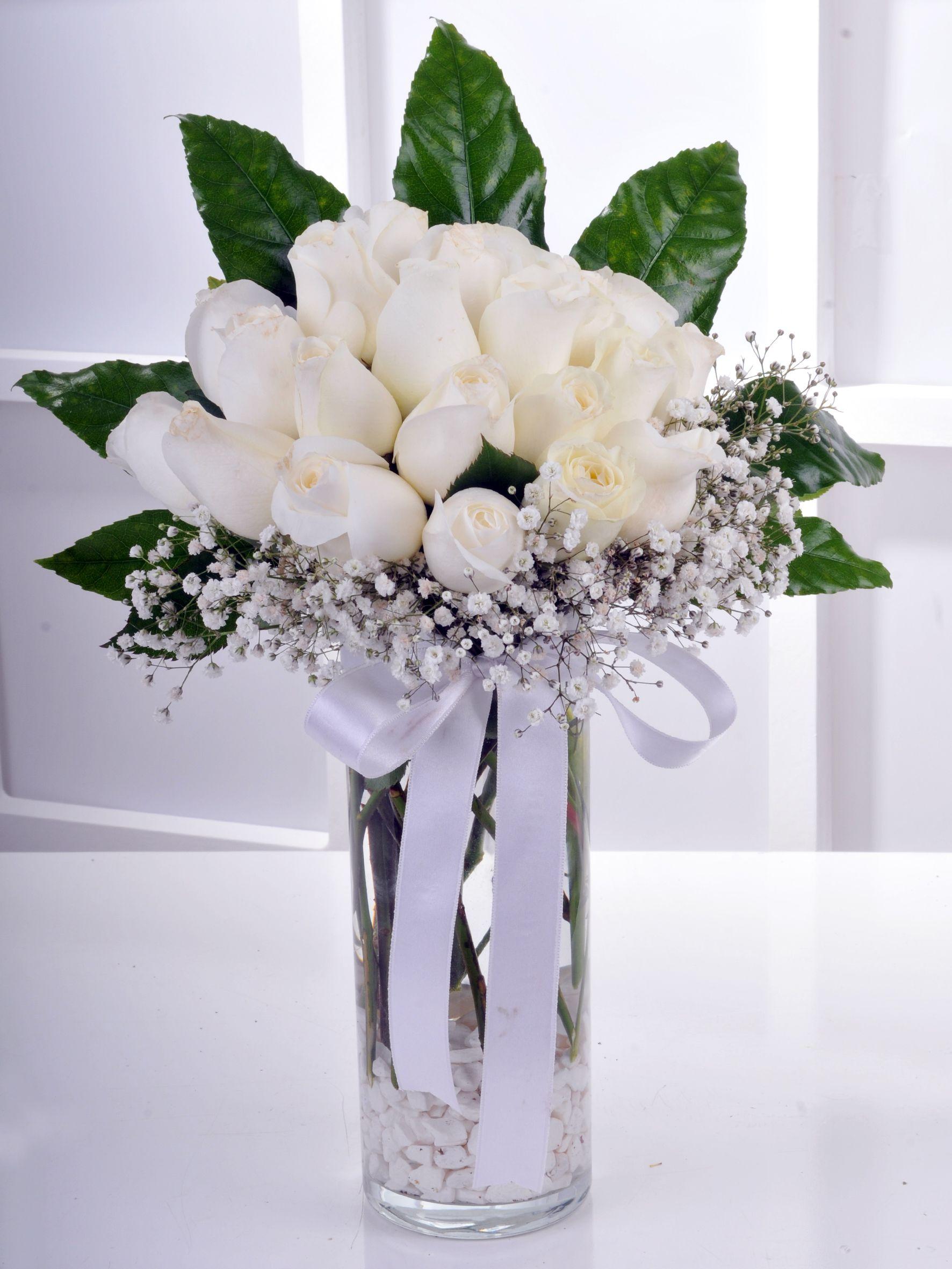 Vazoda 21 Beyaz Gül Arajmanı.. Aranjmanlar çiçek gönder