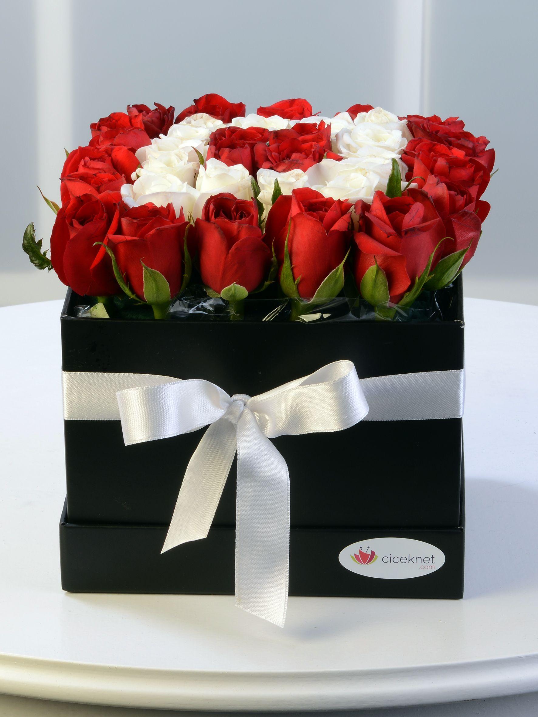 Kare Kapaklı Kutuda Güller Kutuda Çiçek çiçek gönder
