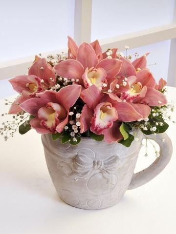 Fincan da Orkide Arajmanı. Aranjmanlar çiçek gönder