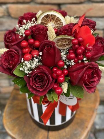Kutuda 11 Kırmızı Gül Kutuda Çiçek çiçek gönder