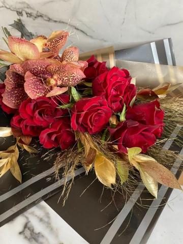 Vanda Valentina Buketler çiçek gönder