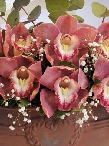Kalpli Bakır Rengi Vazoda Kesme Orkideler Aranjmanlar çiçek gönder
