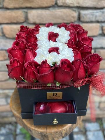Çekmeceli Kutu Harf Kutuda Çiçek çiçek gönder